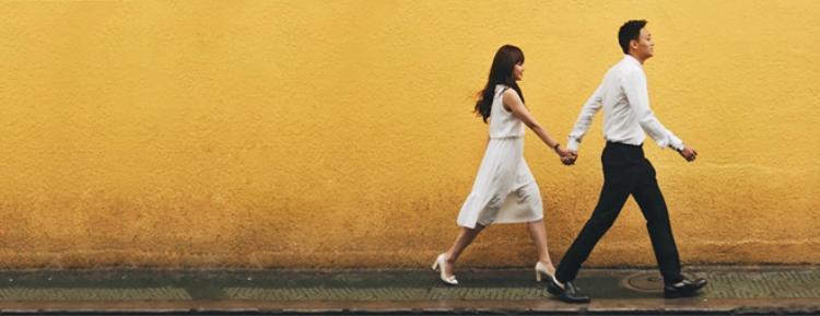 Đôi trẻ trải qua 2 năm yêu nhau trước khi tổ chức lễ ăn hỏi vào ngày 4/1 và kết hôn ngày 11/1.
