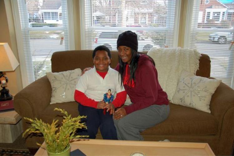 Daeyrs và mẹ là Dionna.