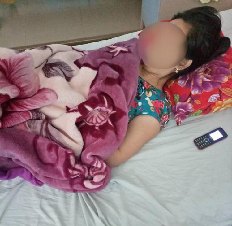 Chị T. đang được điều trị tại Bệnh viện Sản - Nhi Quảng Ngãi.