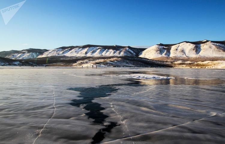 Chỉ có vào mùa đông, người ta mới có thể chiêm ngưỡng cảnh tượng hùng vĩ này trên hồ Baikal.