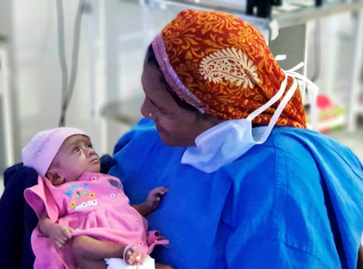 Cô bé sắp được về nhà sau 6 tháng nằm viện.