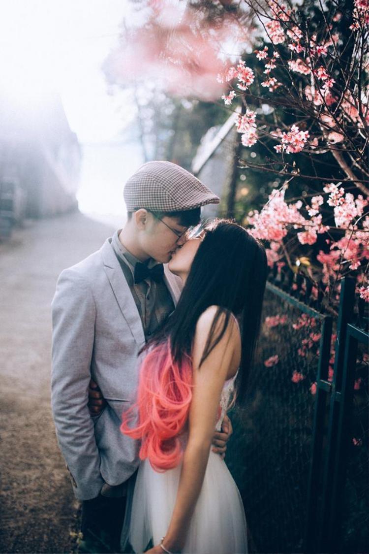 Bộ ảnh couple cực lãng mạn trong khung cảnh mùa xuân tuyệt đẹp của bạn Dung Le Nguyen