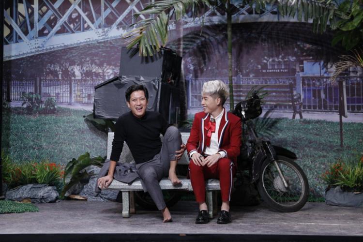 Đến cả danh hài lém lỉnh như Trường Giang cũng không ít lần khớp trước cách đối đáp của Quán quân The Voice phiên bản Việt mùa 3.