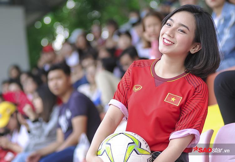 Nữ MC xinh đẹp mê Công Phượng, tin U23 Việt Nam hạ đẹp U23 Úc