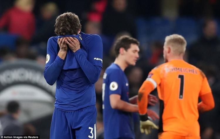 Trận hòa như thua của các cầu thủ Chelsea.