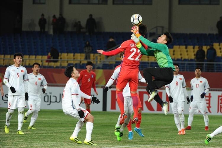 Bóng bổng là nổi lo của U23 Việt Nam.