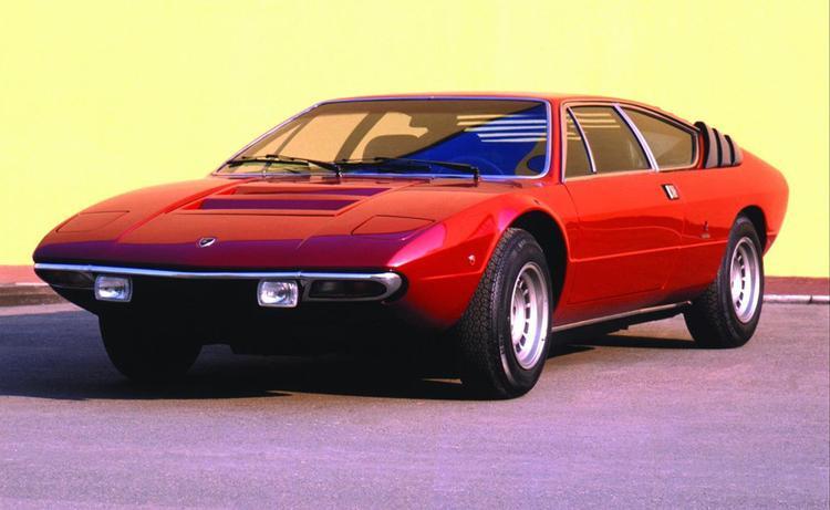 """3. Lamborghini Urraco: Lamborghini Urraco được xem là chiếc xe thể thao """"giá rẻ"""" của Lamborghini được sản xuất trong giai đoạn 1973 - 1979. Urraco có 3 tùy chọn dung tích cho động cơ V8 là 2.0, 2.5 và 3.0 sản sinh công suất lần lượt là 180, 217 và 247 mã lực. Phiên bản sử dụng động cơ 2.0 V8 là mẫu xe hiếm hơn cả với chỉ 60 chiếc được tạo ra. Ảnh: Top Speed"""