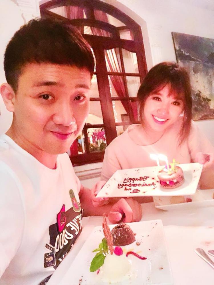 Cuộc sống của Hari Won và Trấn Thành lúc nào cũng ngập tràn hạnh phúc, rộn tiếng cười.