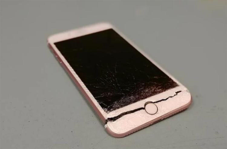 Đây là hình ảnh có thể khiến bất kì fan Apple nào cảm thấy… đau lòng.
