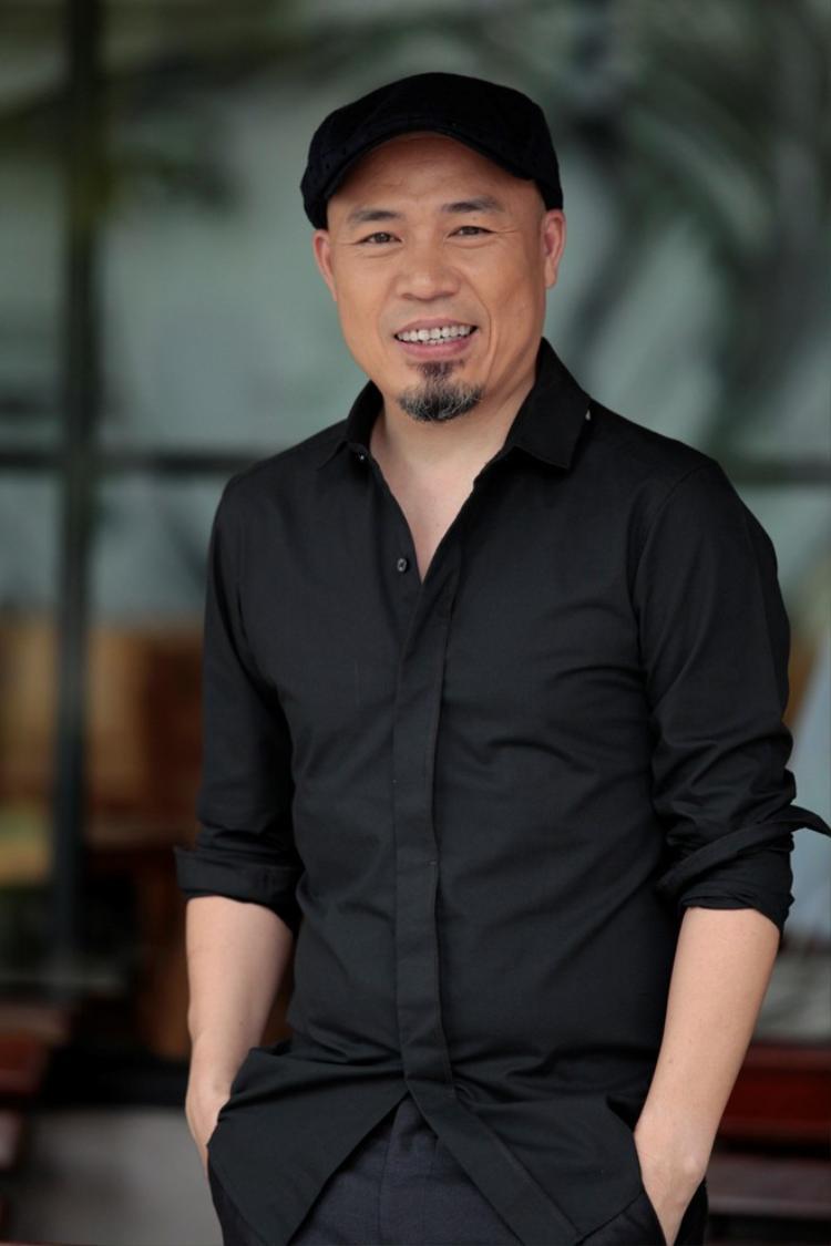 Không chỉ là nhạc sĩ gạo cội, Huy Tuấn còn gây ấn tượng đặc biệt với vai trò nhà sản xuất âm nhạc tài ba. Từng bước xây dựng hình ảnh cho Hồ Ngọc Hà, Sơn Tùng M-TP… nam nhạc sĩ được cho là một trong những nhân tố góp phần định hướng tư duy cảm thụ âm nhạc cho khán giả yêu nhạc Việt. Song song đó, kinh nghiệm ngồi ghế giám khảo hàng loạt show truyền hình ăn khách cũng là lí do khiến NSX nên cân nhắc cái tên đặc biệt này.