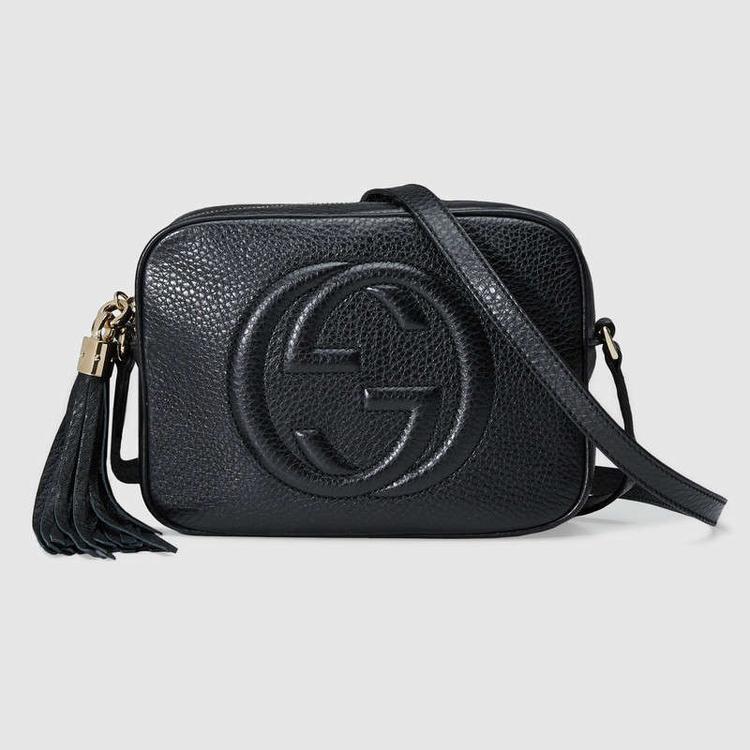 """Đôi lúc, các thương hiệu cũng cho ra một số ít chiếc túi được làm theo """"phiên bản giới hạn"""", có kích thước bé hoặc lớn hơn dòng sản phẩm chính. Các mẫu túi này sẽ được đăng lên web chính hãng, kèm các thông tin chi tiết về kích thước, số lượng cũng như nơi bán ra. Các tín đồ thời trang nên để ý những điều này để không phải mua nhầm một chiếc túi nhái, có kích thước không giống sản phẩm chính hãng mà lại tưởng nhầm mình mua được một sản phẩm giới hạn có giá """"hời""""."""