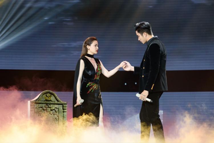 Giang Hồng Ngọc và Mạnh Đồng kết hợp ăn ý trong tiết mục Tình đầu tình cuối ở tập 9 Cặp đôi hoàn hảo - Trữ tình & Bolero.