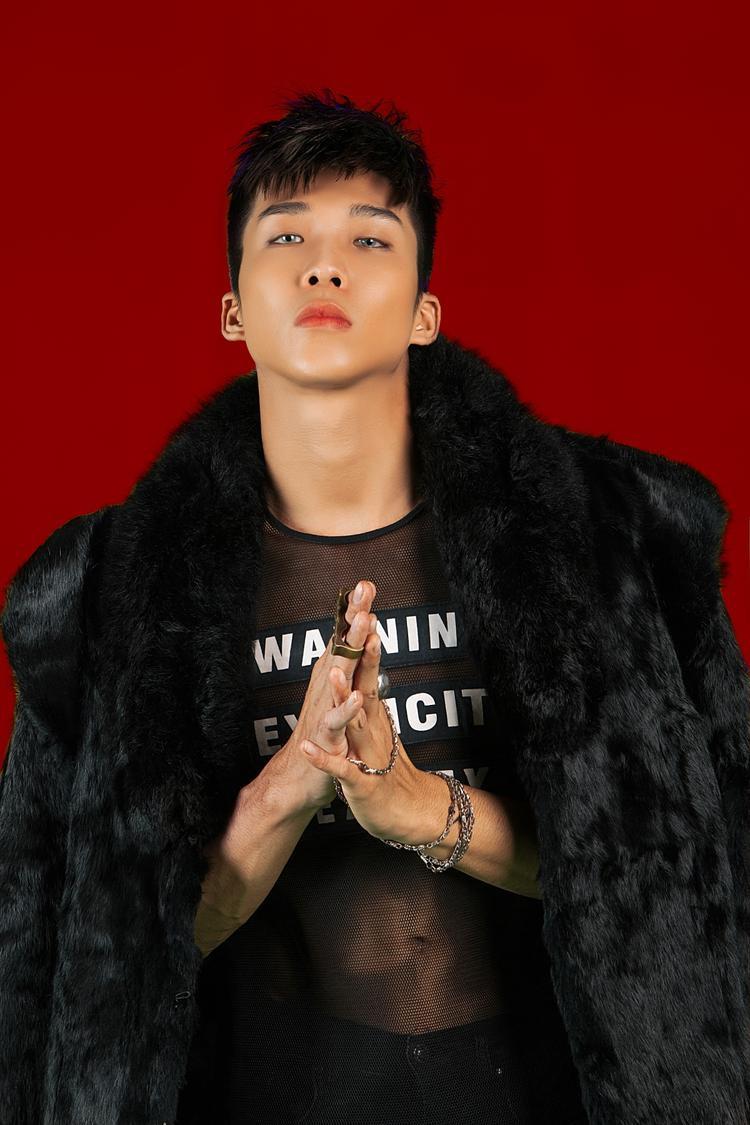 Mỹ Linh cho biết cô và Chí Huy, cùng rapper Soho có gu âm nhạc khá giống, lại rất hiểu vàchơi thân cùng nhau bên ngoài.