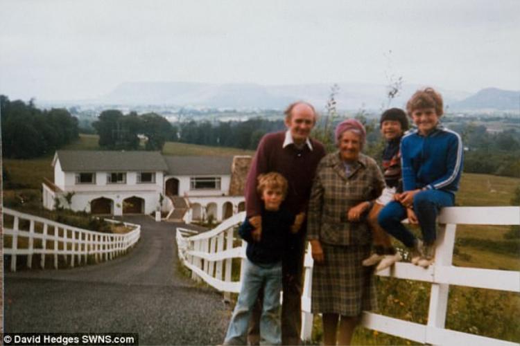 Vance lớn lên trong vòng tay yêu thương của gia đình cha mẹ nuôi ở Bắc Ireland. Ảnh: SWNS