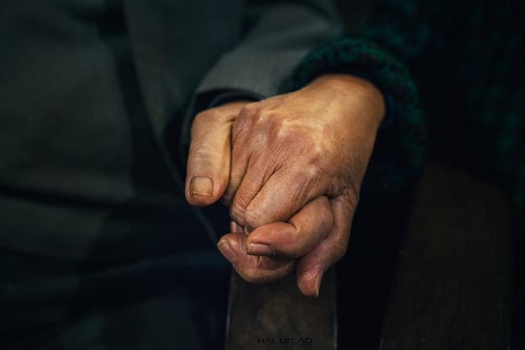 Cái năm tay bền chặt khi về già - điều mà ai cũng hằng mơ ước.