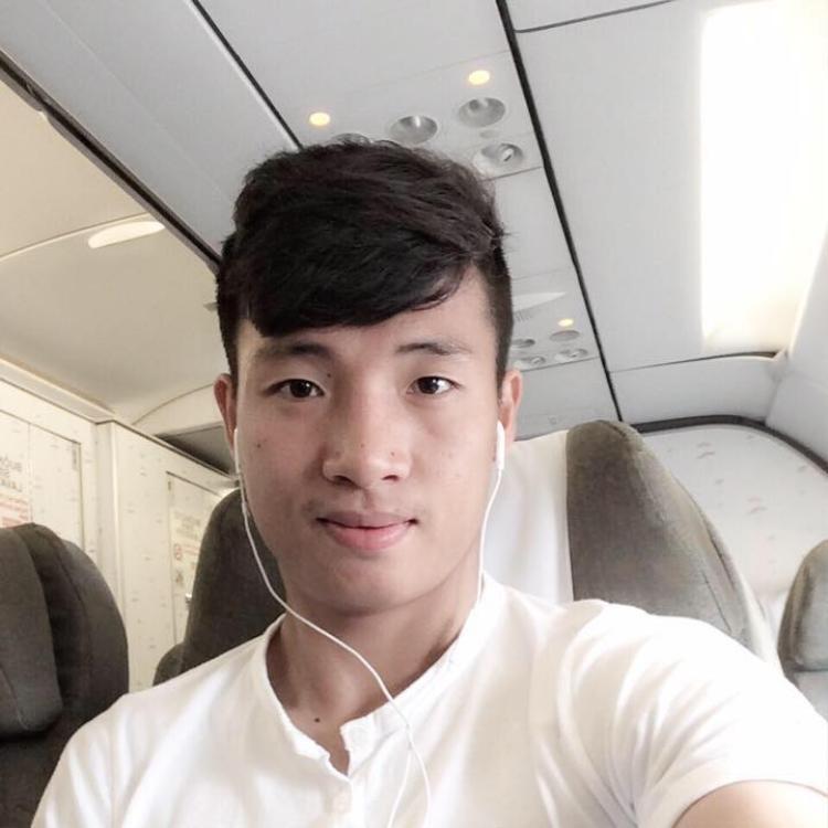Sau trận đấu kinh điển, các cô gái phát sốt với 2 anh Dũng đẹp trai của U23 Việt Nam