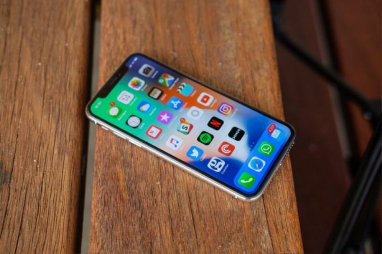 Những chiếc iPhone ra mắt trong năm 2018 sẽ đều có thiết kế kiểu iPhone X.