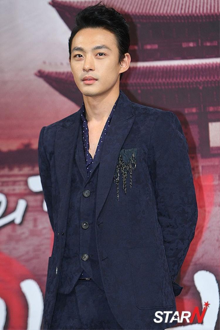 Em trai nữ diễn viên Ha Ji Won -Jeon Tae Soo tự sát sau thời gian chiến đấu với chứng trầm cảm.