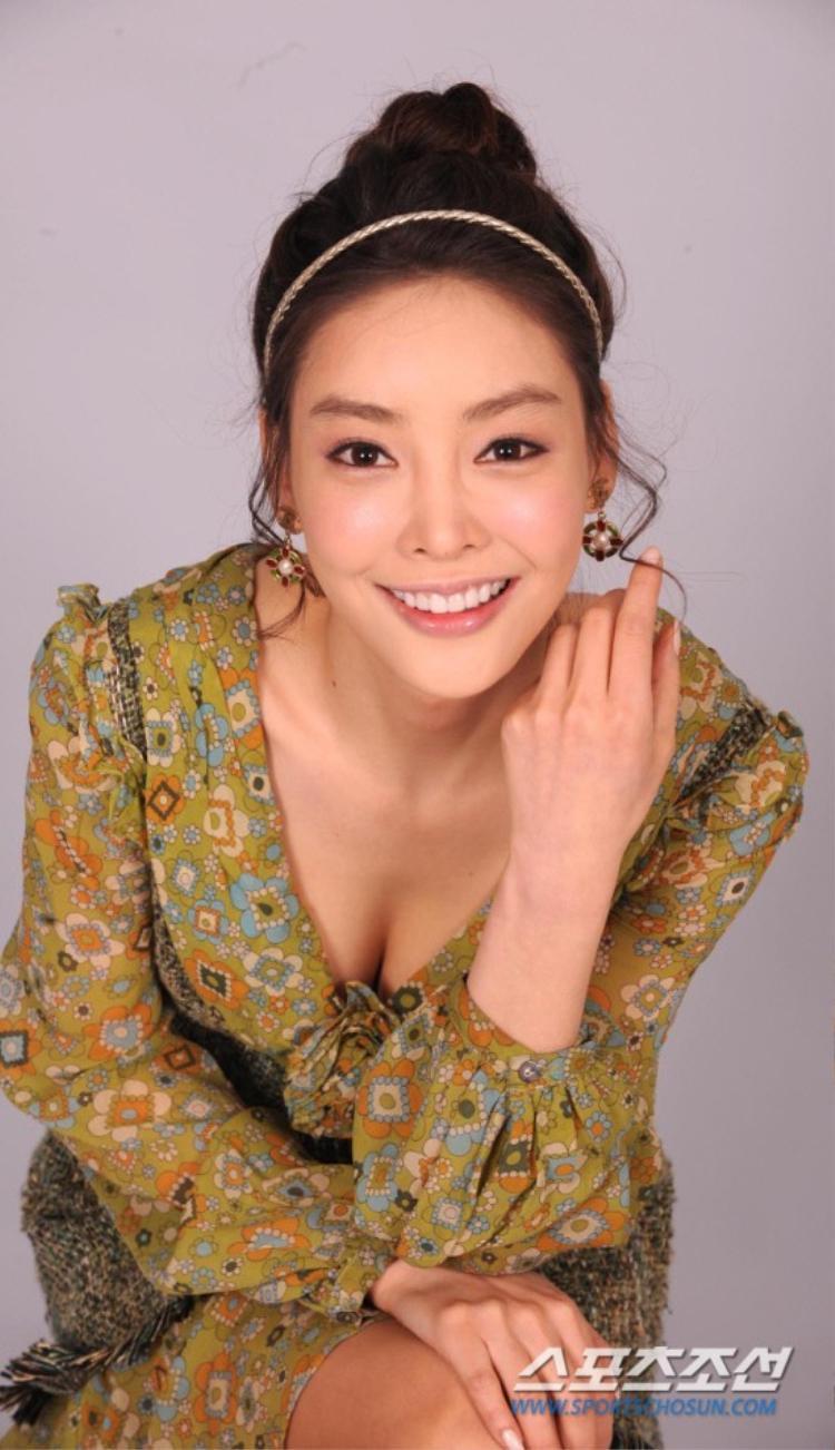 Cái chết của cô phản ánh sự thật kinh hoàng về những quy tắc ngầm đằng sau sự hào nhoáng của giới giải trí Hàn.