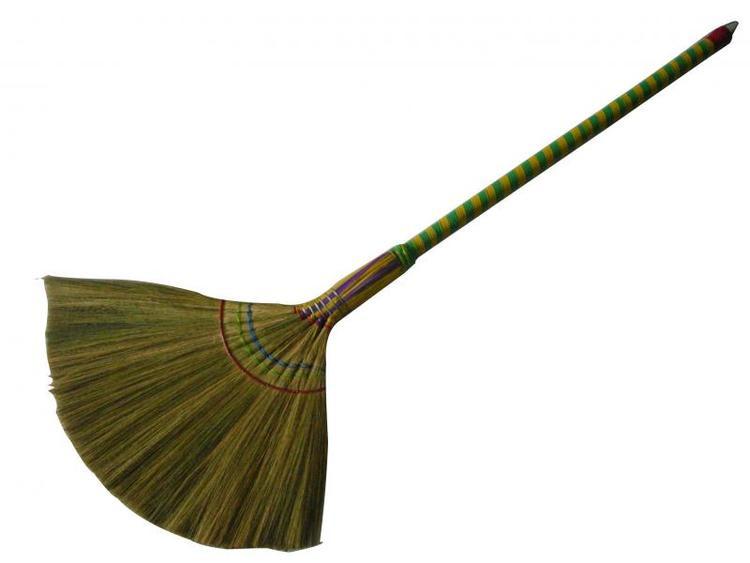 Ngoài ra, một số mặt hàng khác như chổi chít, nón quai thao, áo dài,…. cũng được rao bán trên Amazone với giá vô cùng đắt đỏ.