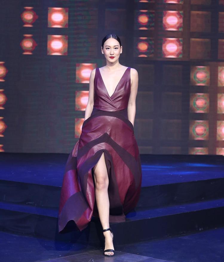 """""""Phương hoàng lửa"""" Tubtim chính thức quay trở lại The Face Thailand All Stars."""