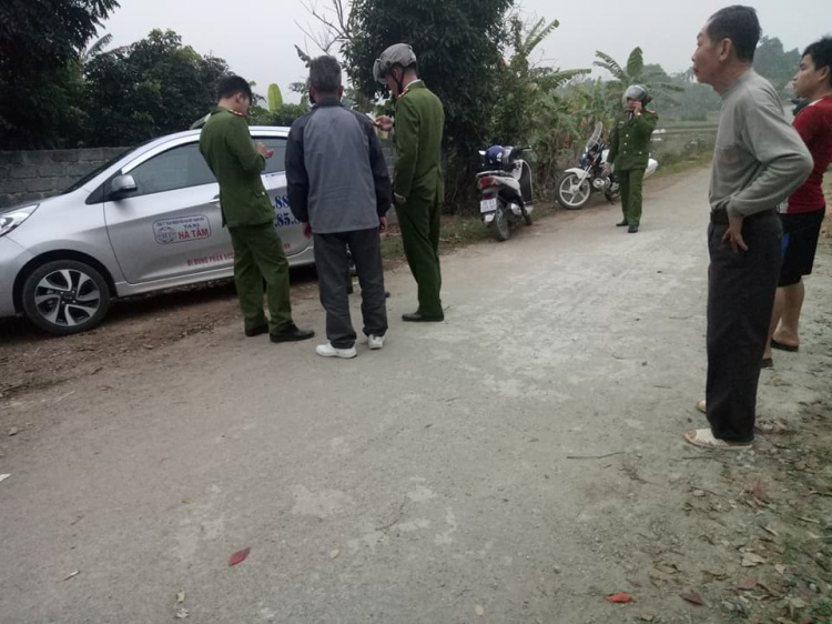 Lực lượng công an có mặt điều tra làm rõ vụ việc.