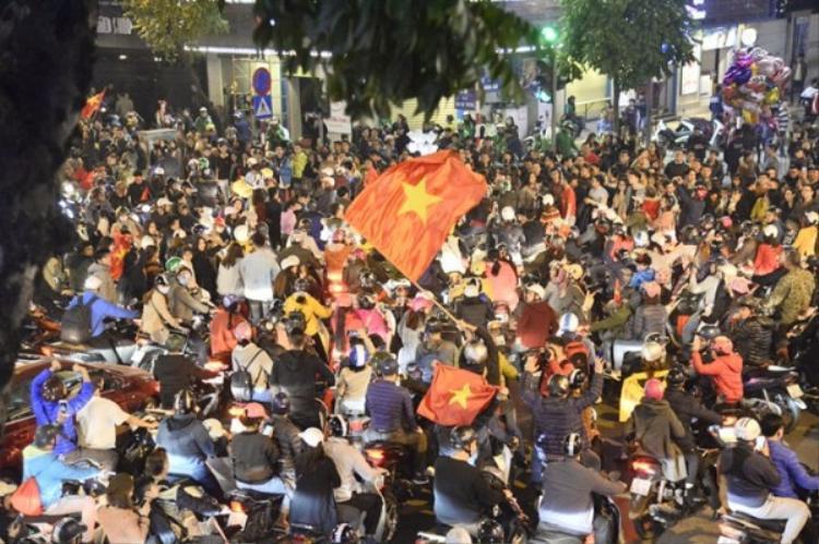 Người hâm mộ cả nước vui mừng cùng U23 Việt Nam.