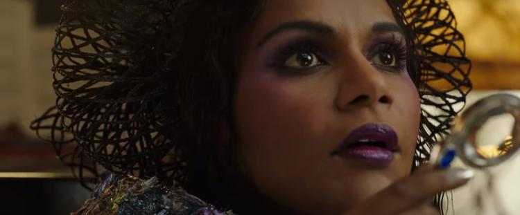 Mindy Kaling trong vai Mrs. Who