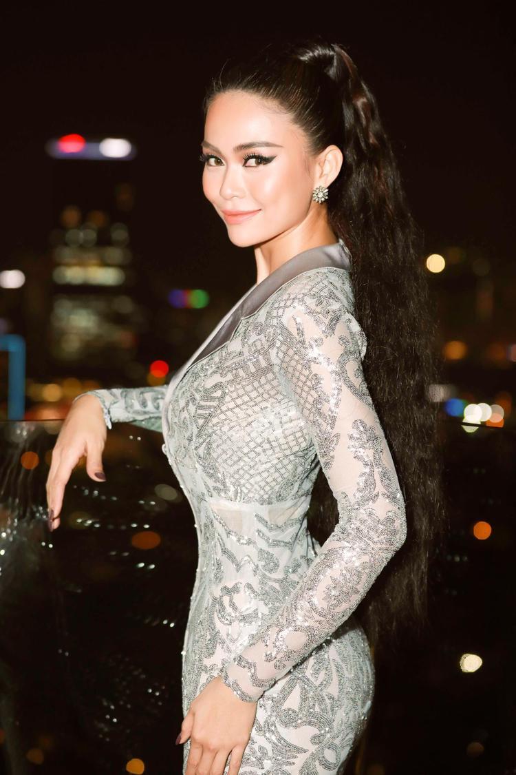 Nhờ sự đa dạng này mà Á Hậu Hoàn Vũ Việt Nam 2017 được bình chọn là một trong những nghệ sĩ biến hoá không ngừng, làm những người yêu mến cô không khỏi thích thú mỗi lần xuất hiện tại các sự kiện.