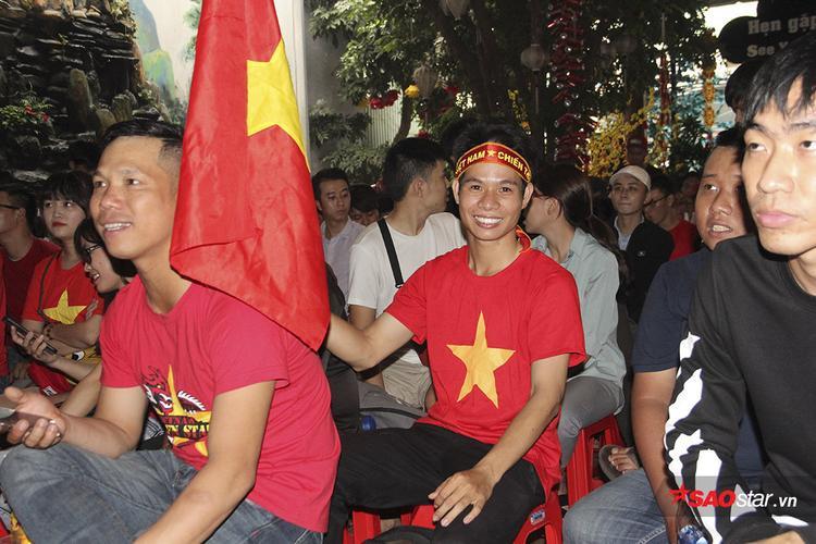 Hai nam sinh trốn học cổ vũ U23 Việt Nam- U23 Qatar nhận được cái kết bất ngờ từ gia đình