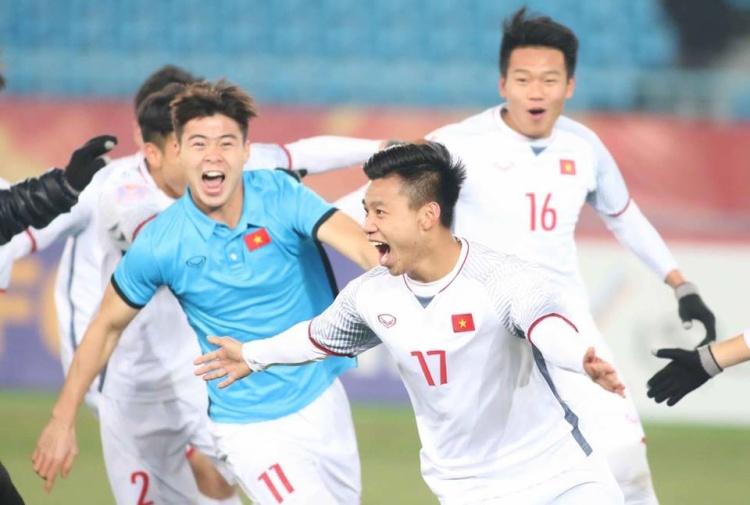 Vũ Văn Thanh ăn mừng bàn thắng lịch sử đưa U23 Việt Nam vào chung kết.