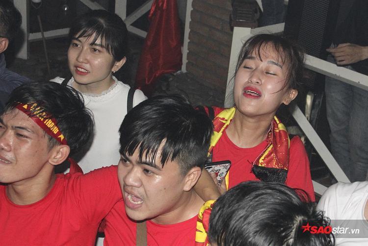 Người hâm mộ khóc ngất vì bộ phim hành động đầy cảm xúc của U23 Việt Nam