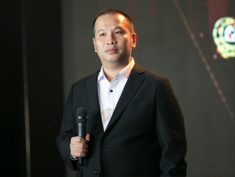 Đạo diễn Quang Huy cũng là fan của môn thể thao vua.