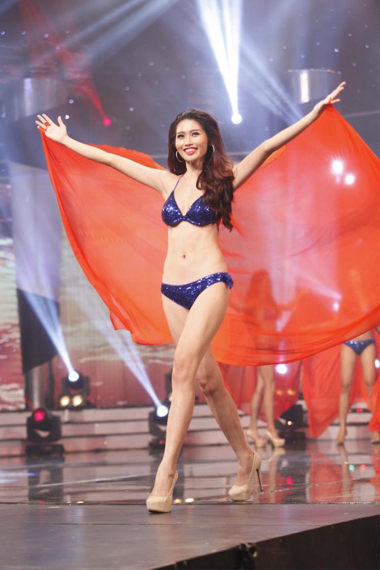 Quỳnh Châu được đánh giá cao bởi những kỹ năng sân khấu chuyên nghiệp, bản lĩnh.