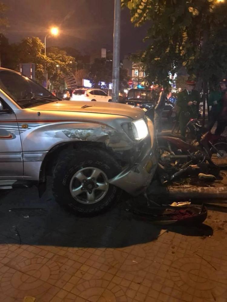Nhiều xe máy bị hư hỏng sau vụ tai nạn.