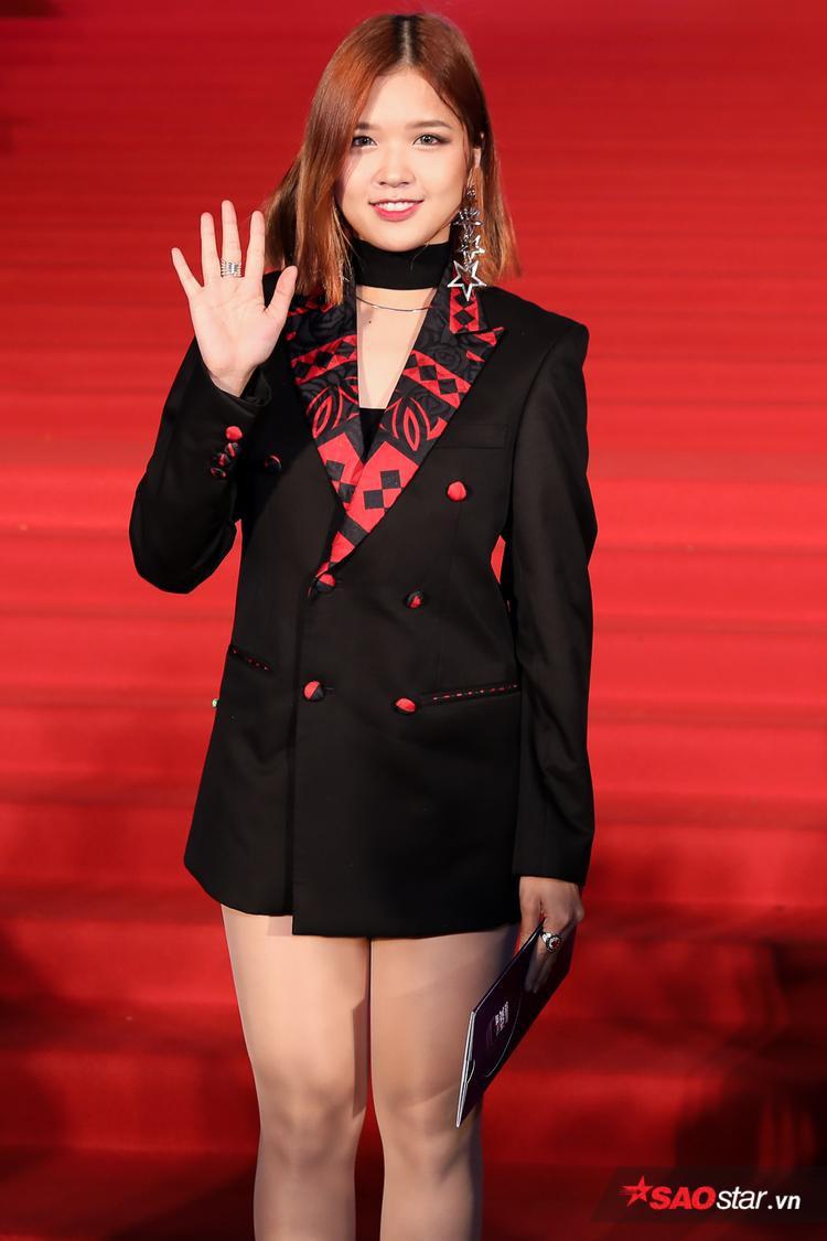 Ca sĩ Suni Hạ Linh.