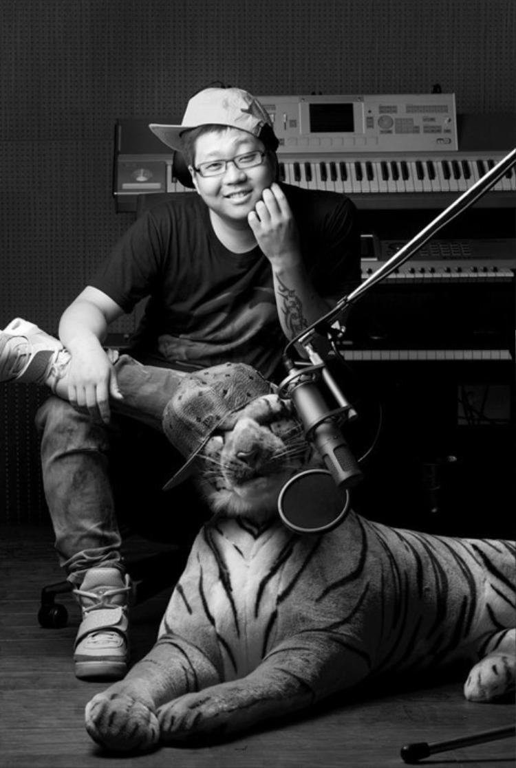 """""""Anh Hổ"""" đã cho ra đời nhiều ca khúc làm chao đảo Kpop."""