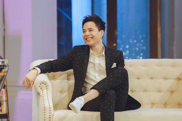 Trịnh Thăng Bình: Từng ước mơ trở thành cầu thủ, sẵn sàng ủng hộ mẹ đi thêm bước nữa