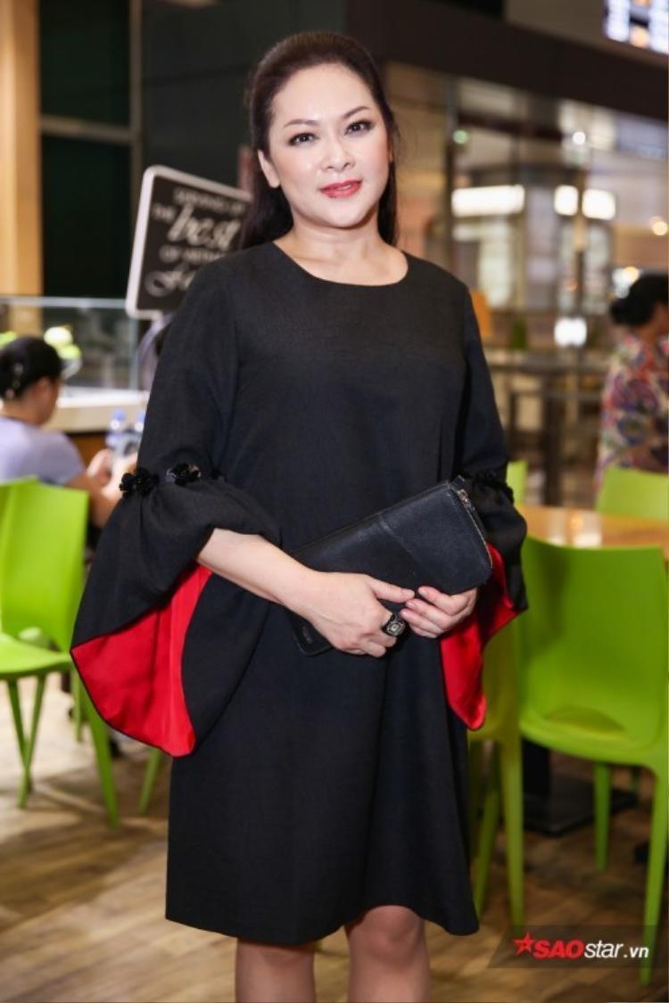 Đêm nhạc tại thủ đô Hà Nội đánh dấu sự trở lại chính thức sau nhiều năm xa quê của nữ danh ca Như Quỳnh.