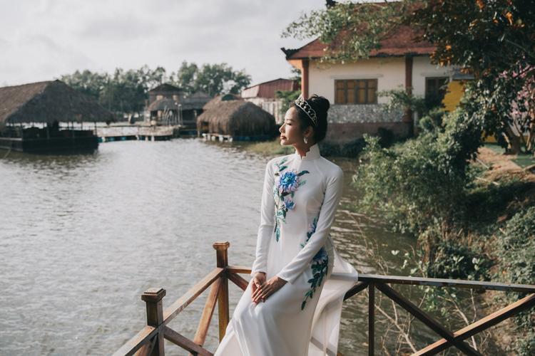 Là một người con Thanh Hóa, nên khi có dịp trở về quê hương, Hoàng Thùy không thể bỏ qua cơ hội ghi lại khoảnh khắc đẹp.