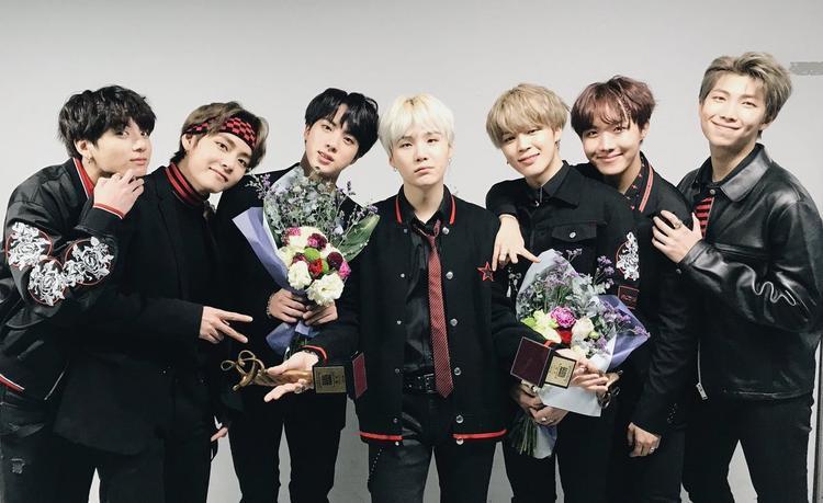 Với thành tích này, nhóm đã phá vỡ chuỗi kỷ lục liên hoàn qua 4 lần nhận giảiDaesang của EXO.
