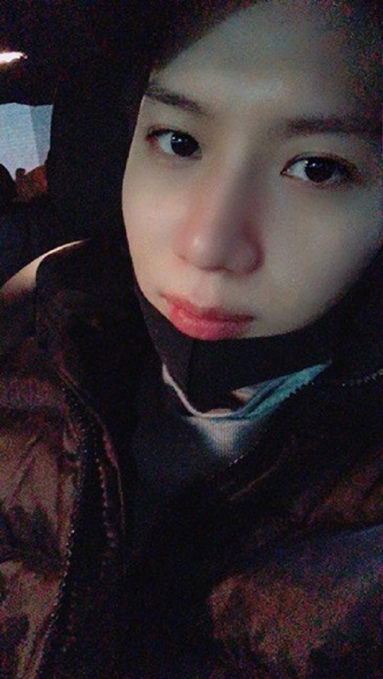 """Sau sự kiện, Taemin đăng hình lên trang cá nhân kèm thông điệp: """"Xin chào, đây là Taemin! Tôi đã nhận được giải Popular Award nhờ các bạn. Cảm ơn rất nhiều và tôi luôn yêu mọi người. Hãy gặp lại nhau thật sớm cùng nụ cười trên môi nhé""""."""