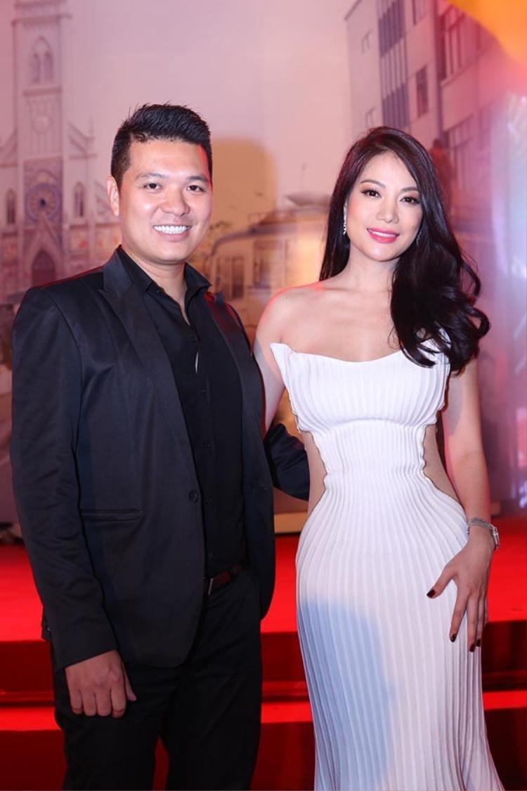 Đạo diễn Cường Ngô bên nàng thơ Trương Ngọc Ánh, người xuất hiện trong rất nhiều bộ phim điện ảnh của anh.