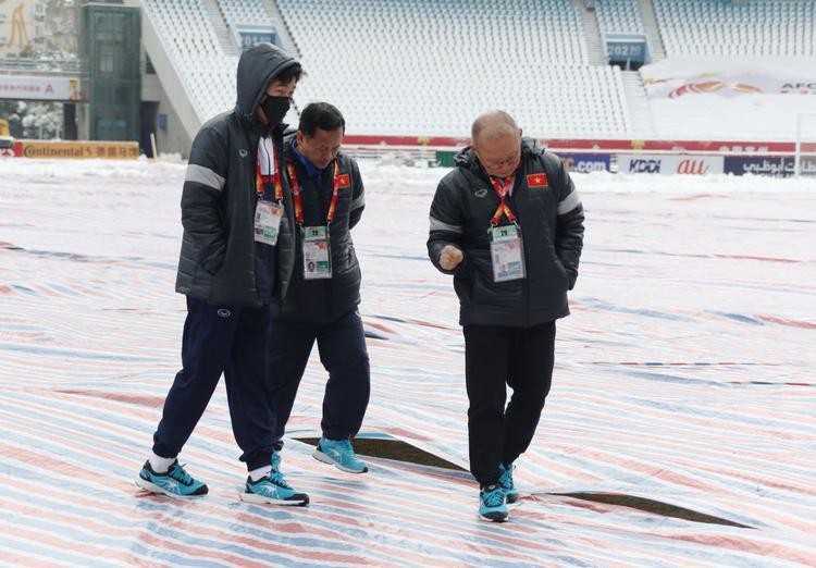 Thời tiết ở Thường Châu đang rất xấu và thầy trò HLV Park Hang Seo đã sẵn sàng cho trận chung kết. Ảnh: VFF