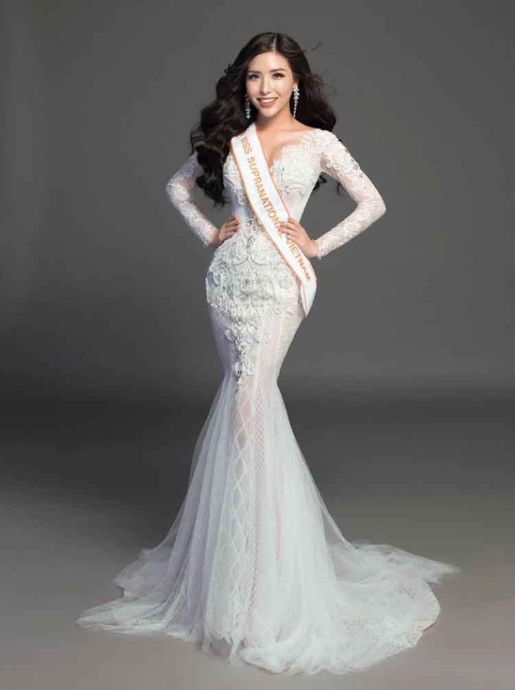 Với thành tích top 25 Hoa hậu Siêu quốc gia, Khánh Phương vinh dự có mặt trong top 70/434 những người đẹp nóng bỏng của thế giới.