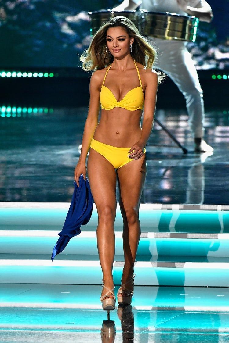 Người đẹp đến từ Nam Phi- đương kim Hoa hậu Hoàn vũ Thế giới Demi-Leigh Nel-Peters đang dẫn đầu bảng với số điểm khá cao.
