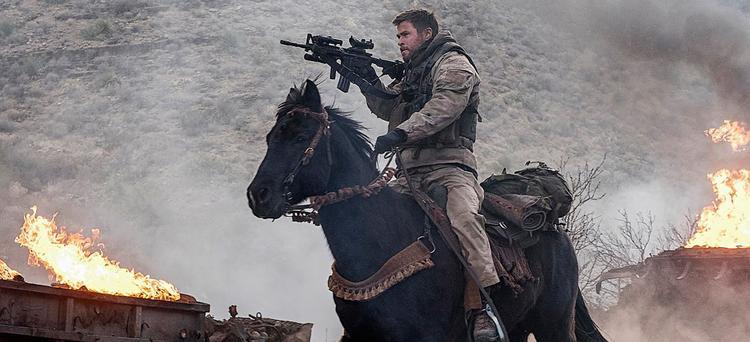12 kỵ binh quả cảm: Khi Thần Sấm Chris Hemsworth trở thành Đội trưởng Mỹ