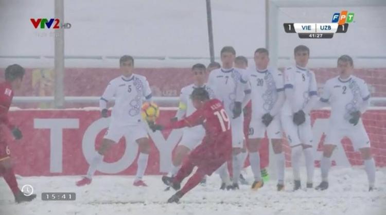 … mà Quang Hải đã sút thủng lưới đội đối thủ