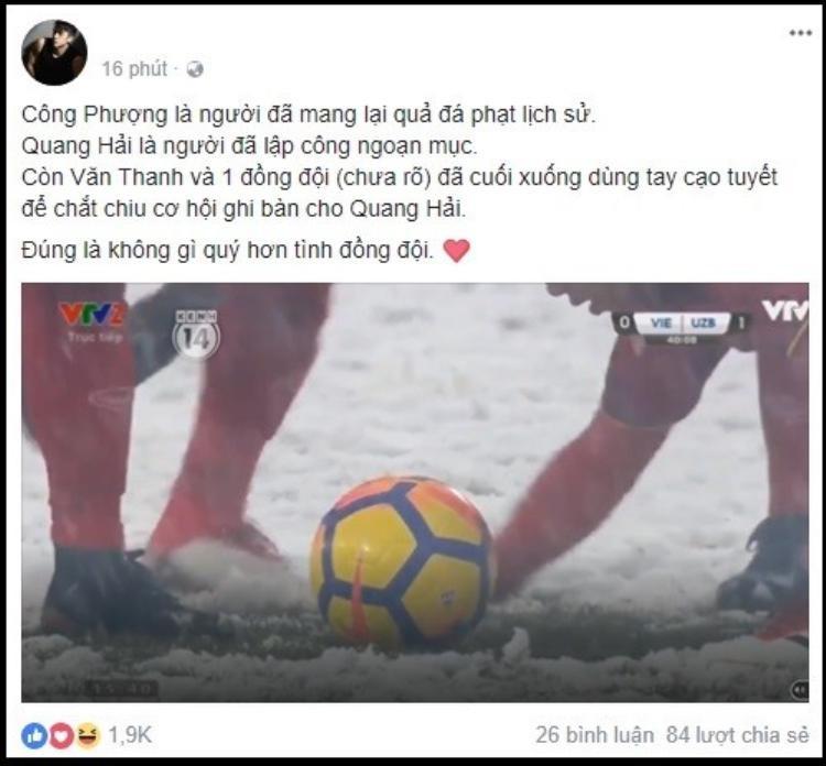 Khoảnh khắc xúc động được chia sẻ chóng mặt: Văn Thanh cùng đồng đội dùng tay cào tuyết để Quang Hải ghi bàn!