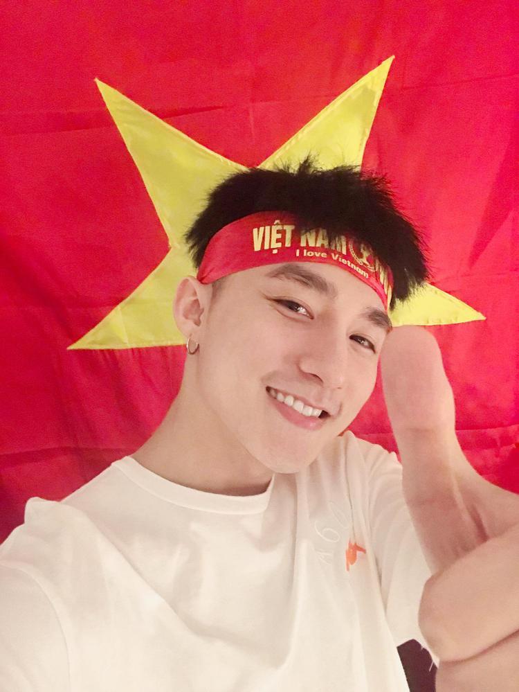 Có lẽ tất cả người dân Việt Nam lúc này đều có chung cảm xúc với Sơn Tùng, dù nuối tiếc nhưng vẫn rất tự hào.